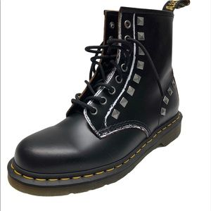 NEW Dr. Martens 1460 Stud Lace-Up Boot 9